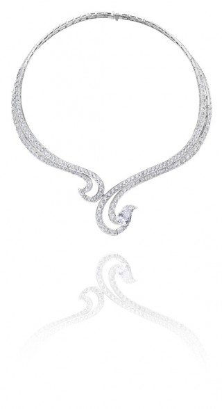 PHENOMENA CREST NECKLACE, De Beers