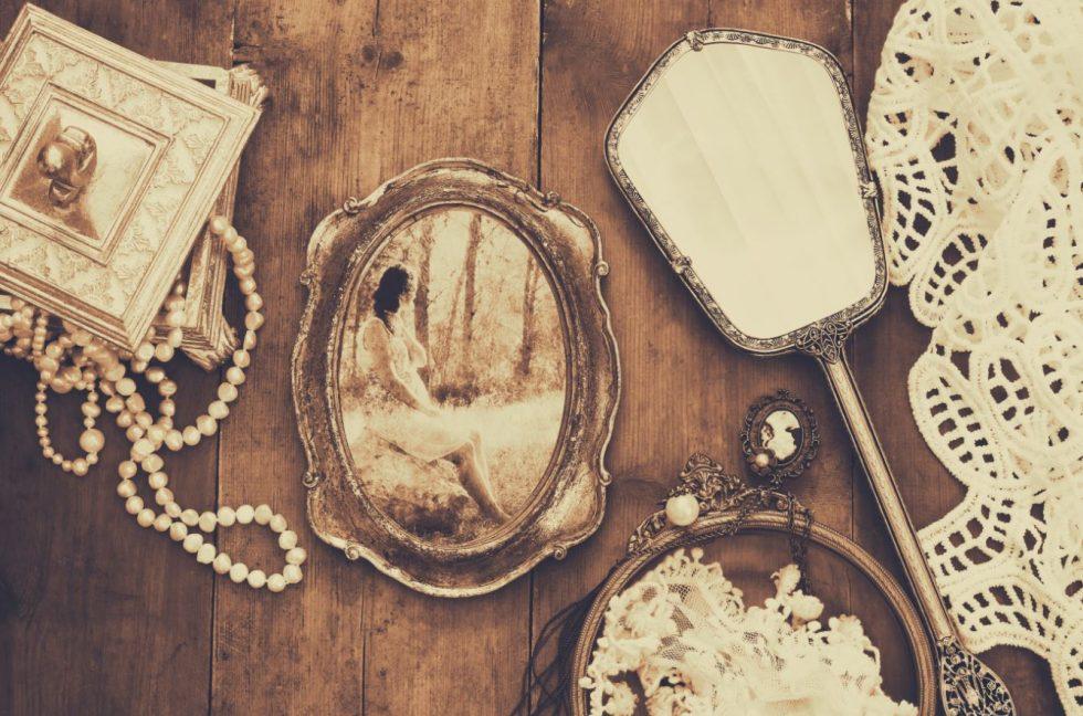 3 bonnes raisons d 39 acheter un bijou ancien for Acheter miroir ancien