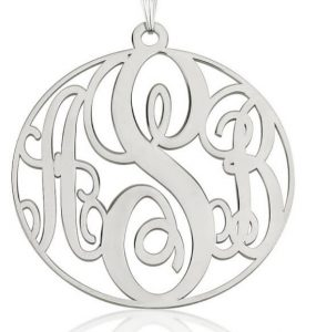monogramme onecklace